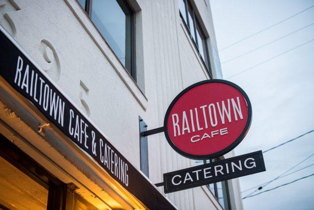railtown catering thanksgiving dinner